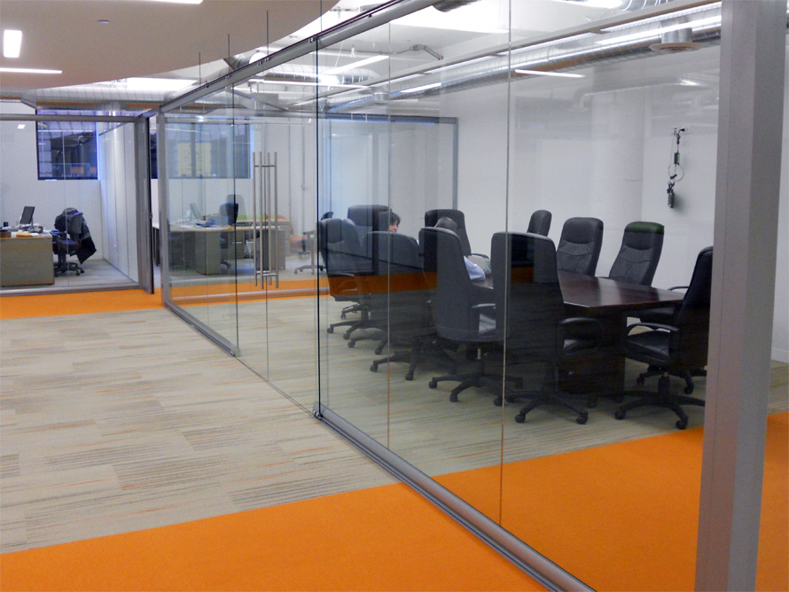 Elegant minimal seam glass conference room View series