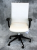 United Chair - Freestyle desk/conference chair ice white vinyl #500