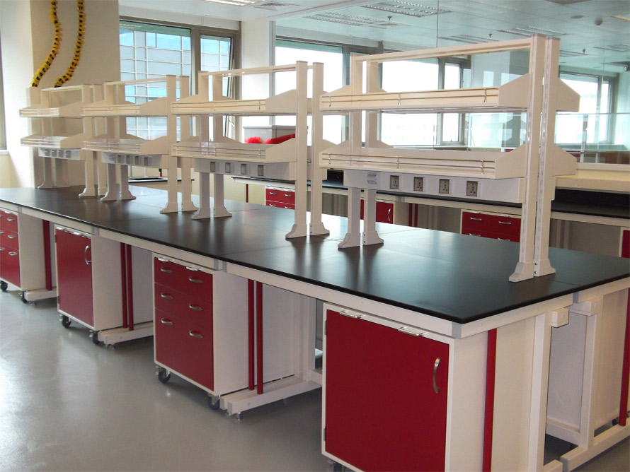 Ultra labs benching storage and lab casework