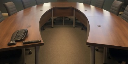 Modular U-shaped contemporary conference table Artopex Air Line