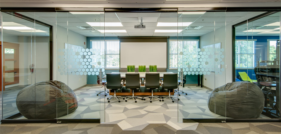 Project: Demountable Glass Walls Installation - Technology